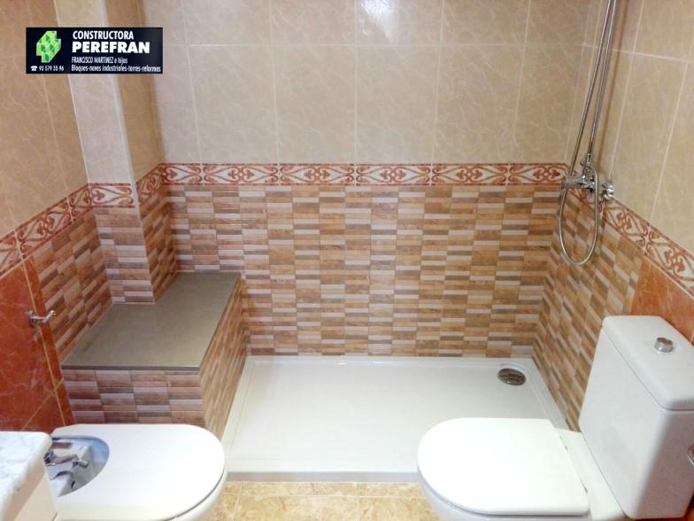 Constructora Perefran S.L.Mollet del Vallès,Barcelona, rehabilitación fachadas, reformas baños, cocinasREforma Baño